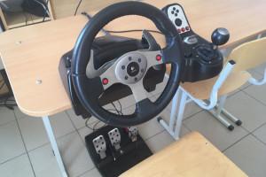 Автотренажер - первое практическое занятие для тех кто никогда не сидел за рулем!